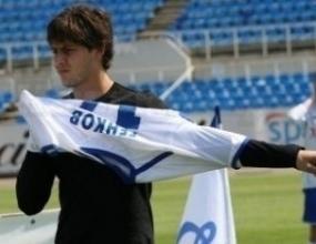 Генков с първи гол, отборът му смазан с 9:3
