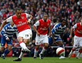 Жилберто Силва става капитан на Арсенал