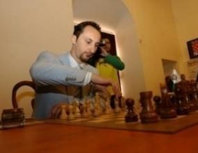 Топалов направи реми с украинец