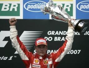 Райконен е новият шампион на Ф1 след победа в Бразилия