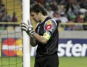 Треньорът на Спортинг остави стража Стойкович в Лисабон за назидание