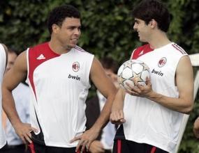 Роналдо и Кака подновиха тренировки