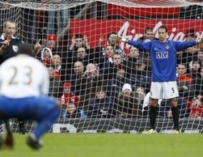 Ван дер Сар и Рио се завръщат срещу Ливърпул