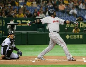 Ортис с хоумрън при победа на Бостън в Япония