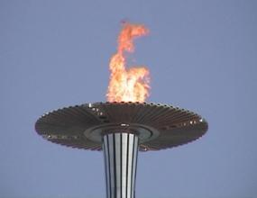 Пуснаха демонстрантите против олимпийския огън
