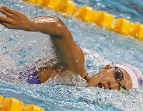 Японска националка по плуване колабира по време на турнир