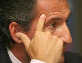 Чики Бегиристайн: Рийкард и футболистите са виновни