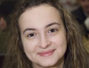 Стефанова играе солидно в Баку
