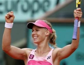 Елена Дементиева достигна четвъртфиналите в Париж