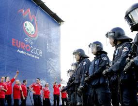 Форматът на Евро 2008 не позволява на съперници от групите да се срещнат отново на финал