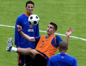 Ван Перси в състава на Холандия още за първия мач