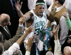 """""""Голямото трио"""" разплака Лейкърс на старта на финалите в НБА"""