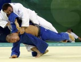 Японец триумфира в джудото при най-тежките