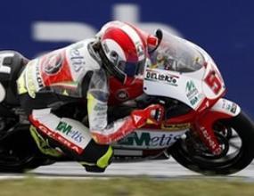 """250cc: Марко Симончели потегля първи на """"Бърно"""""""