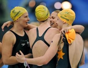 Щафетата на Австралия спечели златните медали с нов световен рекорд