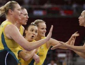 Австралия смачка Русия и е 5-0 след първата фаза