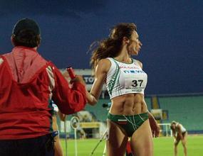 Цвети Кирилова на полуфинал с рекорд