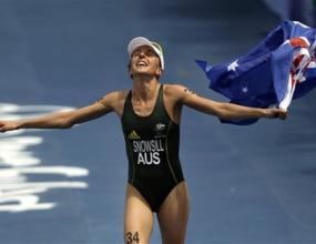 Австралийка спечели титлата в триатлона