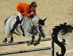 Анки ван Грунсвен от Холандия спечели олимпийската титла на обездка