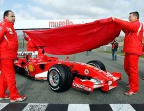 Ферари продължава на два фронта за колите си