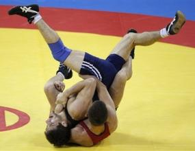 Кирил Терзиев ще се бори с кубинец за бронза в категория до 74 кг