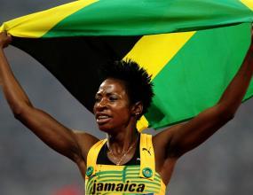 Мелани Уокър спечели златото на 400 м/пр с олимпийски рекорд