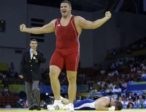 Артур Таймазов спечели златния медал в категория до 120 кг