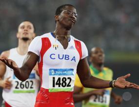 Роблес спечели златото на 110 м/пр