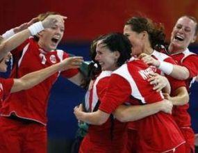 Норвегия олимпийски шампион на хандбал при жените