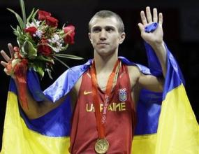 """Ломаченко спечели купата """"Вал Баркър"""" за най-добър боксьор"""