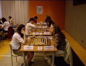 Антоанета Стефанова се класира за осминафиналите на световното първенство по шахмат