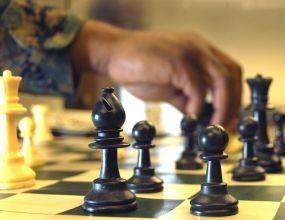 """Книгата """"Блясък и нищета на шахмата"""" бе преведена и в САЩ"""