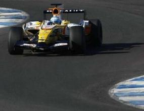 ФИА позволи на Рено да модифицира двигателя си