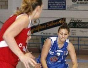 Жаклин Златанова с 5 точки при загуба на Екстругаса