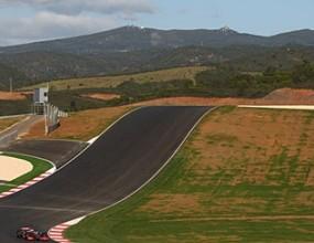 Макларън и Ферари тестват нова писта в Португалия