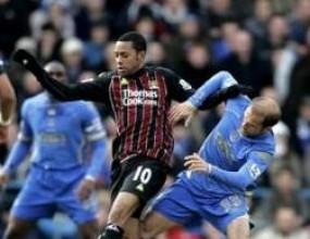 Портсмут удари Сити в първия мач без Тони Адамс