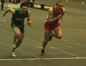 Драма във финала на 60 метра с препятствия при мъжете