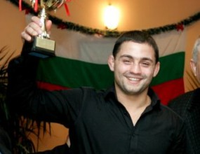 Росен Димитров с поредна победа в ММА