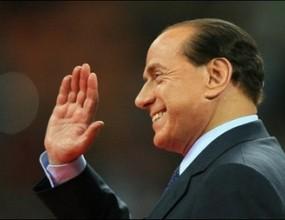 Берлускони бесен на Милан, иска Бекъм да остане