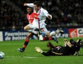 Лион аут от Купата на Франция след гол в последната минута