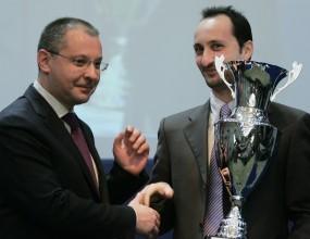 """Топалов и Станишев в шахматен сеанс """"България срещу Великите сили"""""""