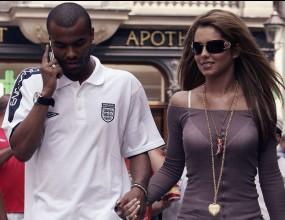 Челси глобява Коул с 2000 пъти повече от лондонската полиция