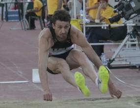 Джоко пети в лудия финал в скока на дължина, Байер шампион с европейски рекорд от 8.71 метра