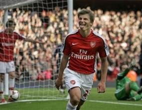 Аршавин върна Арсенал в четворката