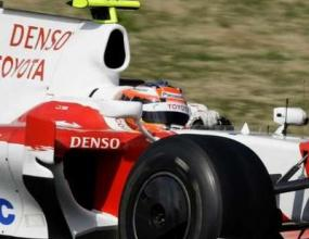 Тойота остава във Формула 1 след нов договор с Panasonic