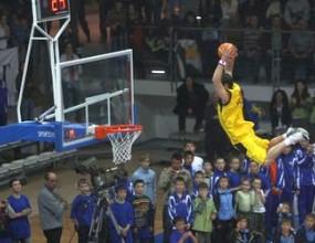 Мачът на звездите в баскетбола оцеля въпреки кризата