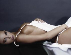 """Николета Лозанова на върха в """"100-те най-секси българки за 2009"""""""