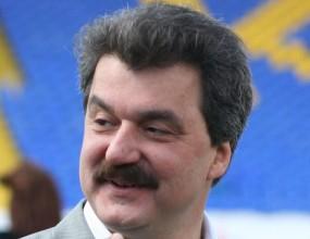 Чуждестранни мениджъри идват за трима от Левски