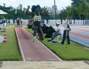 Впечатляващ троен скок в Бразилия, Савин №1 в света
