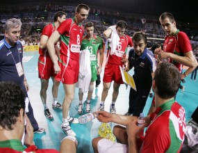"""Само """"уайлд карт"""" може да класира България на финалите на Световната лига"""